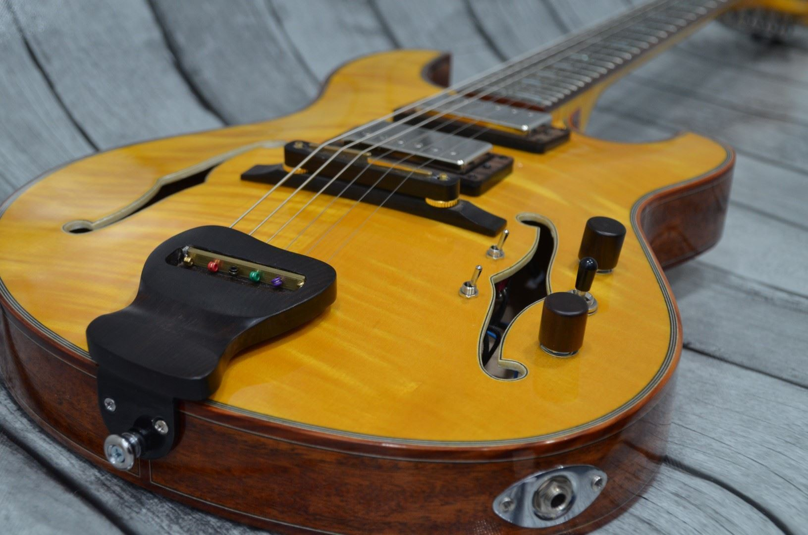 Picture for category Archtop