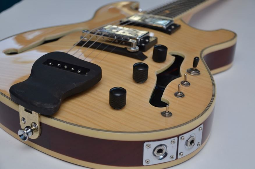 Performer Magazine Review of the Ernesto VH3 Blonde